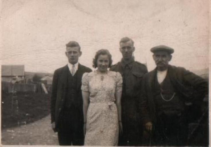Charlie, Mary, Jim, Peter McLagan