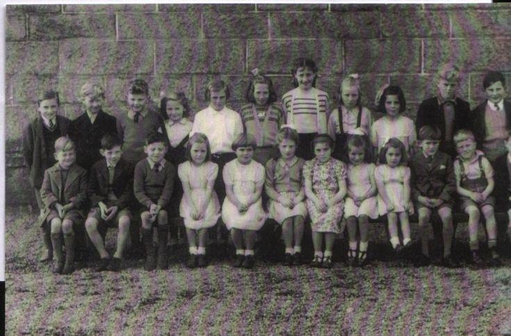 Dalwhinnie Schoolbairns 1957