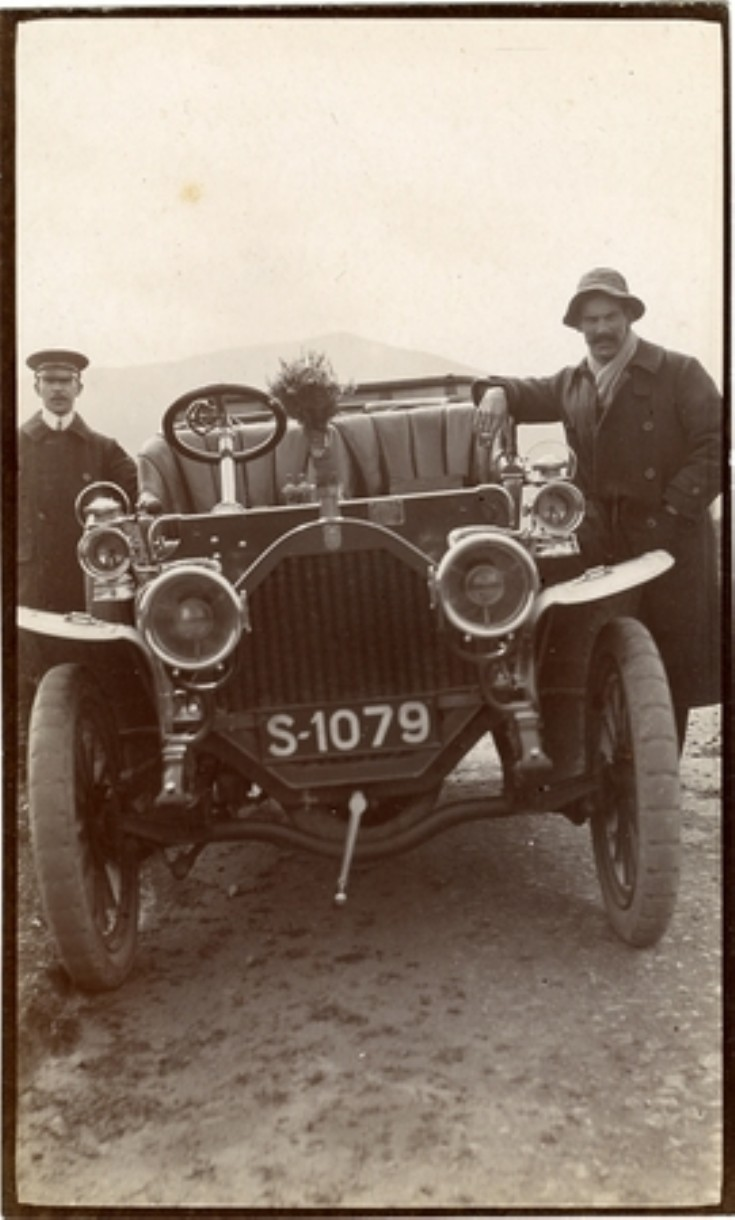 Humber car at Dalwhinnie 9th August 1908.