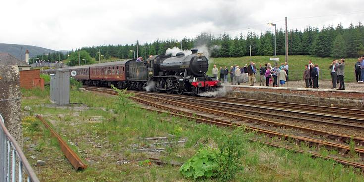 Steam train at Dalwhinnie station