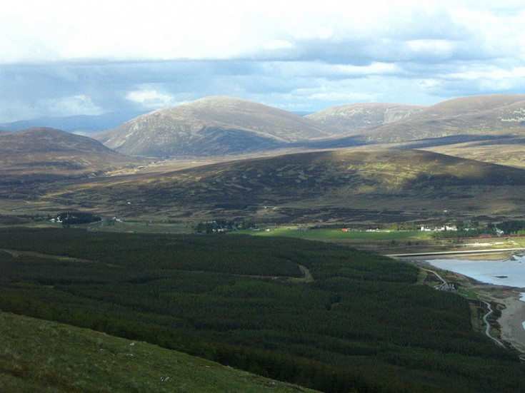 Looking down from the Faro on Loch Ericht and Dalwhinnie