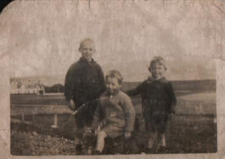 Jim, Mary and Charlie McLagan at Grampian View